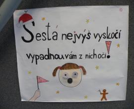 Plakáty na vánoční laťku