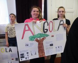 Prezentace projektu Dnes jím jako Angolan - 2. st.